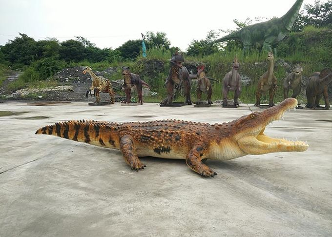 Normal Size Animatronic Animals , Realistic Electric Crocodile Ride